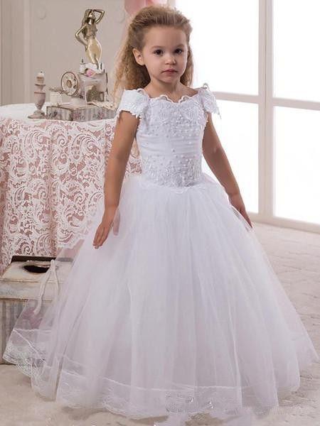 Kurzen Ärmeln Prinzessin Blumenmädchenkleider mit Perlen Junior Brautjungfer Kleid