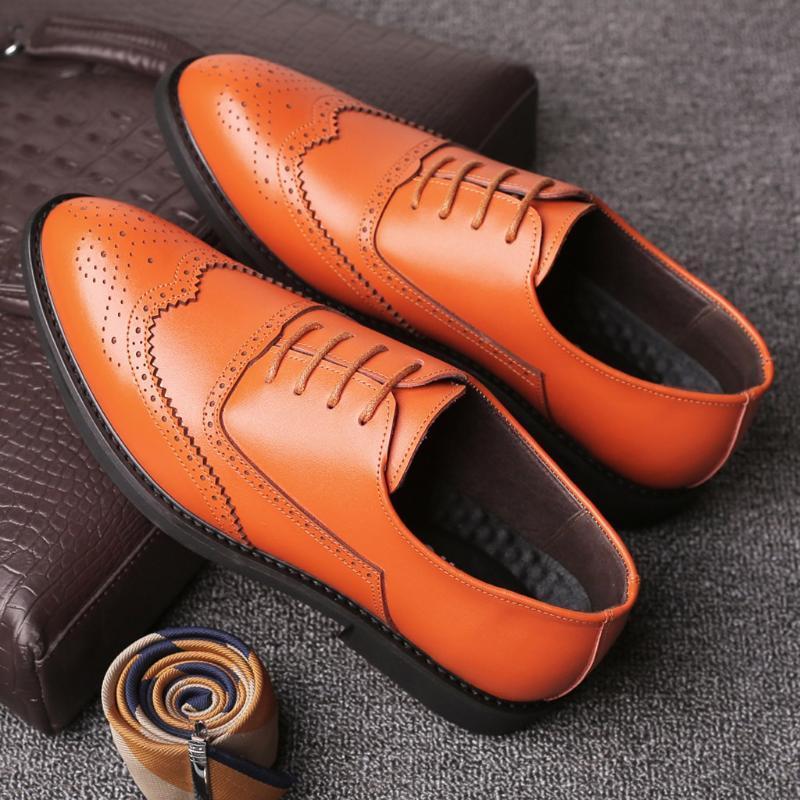 2019 nueva llegada de los hombres calza los zapatos de la boda ronda los hombres del ocio del dedo del pie con cordones de las botas de tacón cuadrado comerciales Tamaño 38-44 91205