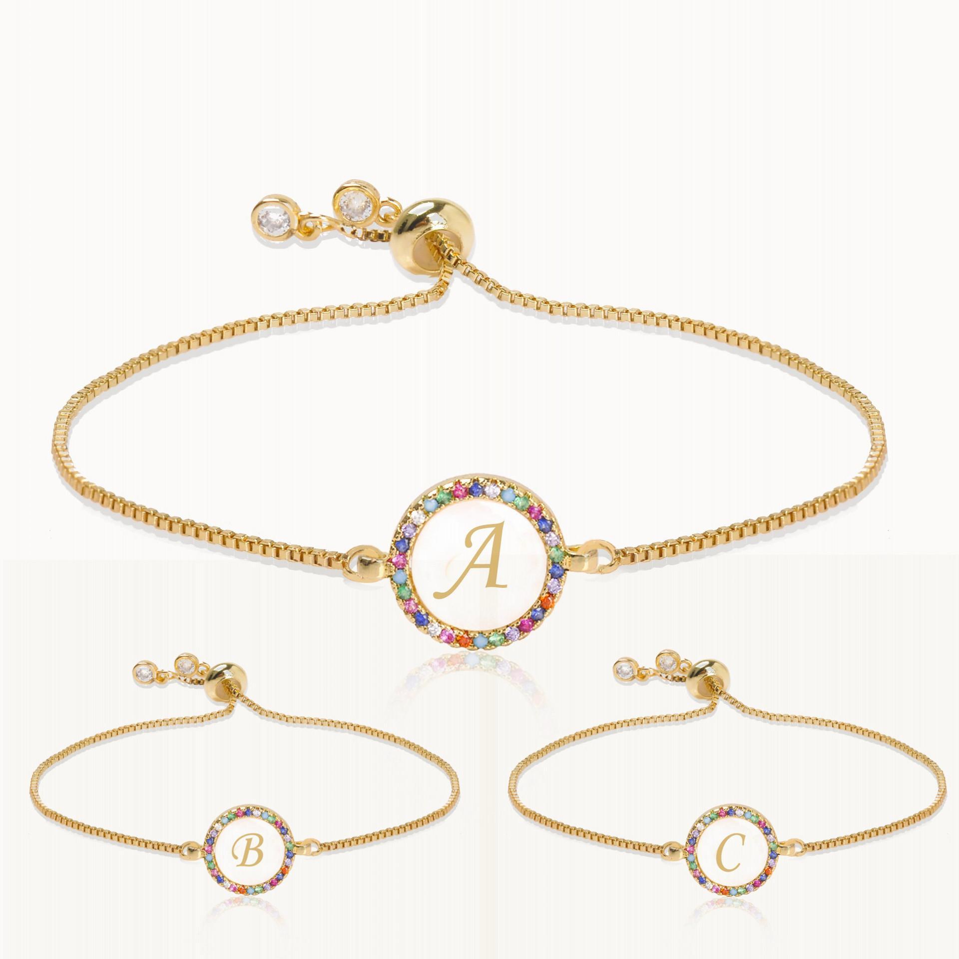 26 Carta Shell Rodada Charm Bracelet para o presente de Natal Mulheres do arco-íris Cz Cubic Zircon inicial Bangle Femme 17 centímetros ajustável cadeia de jóias