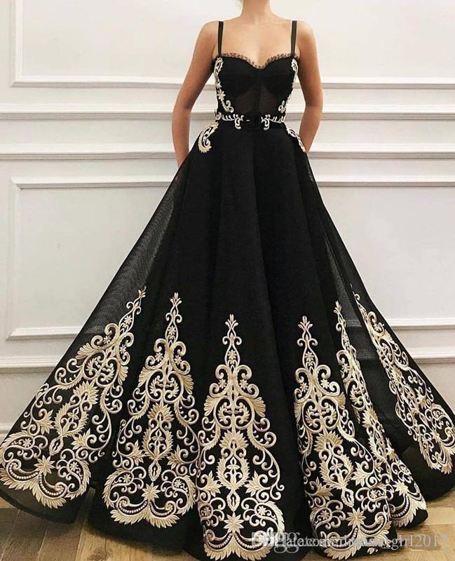 Abiti celebrità partito dei vestiti neri della cinghia di spaghetti Prom Dresses Sweetheart Champagne Appliques Plus Size sera convenzionale
