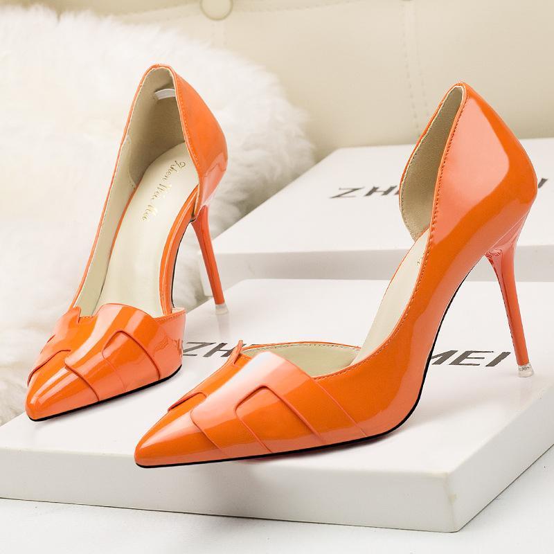 여성 단색 높은 힐 사이드 중공 지적 발가락 얇은 발 뒤꿈치를 패션 여성 가죽 우아한 웨딩 신발 펌프