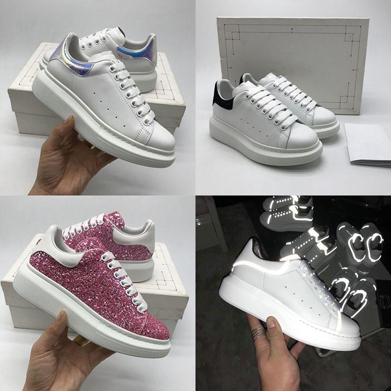 20SS Lüks Platformu Tasarım Ayakkabı Yansıtıcı Üçlü Siyah Kadife Beyaz Büyük Boy Erkekler Kadınlar Casual Sneaker Parti Tam Elbise Dana derisi Deri
