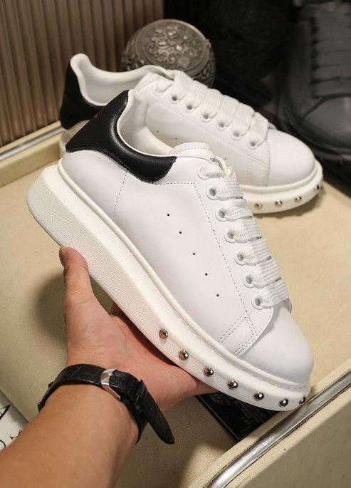 2020 chaussures hommes mode et la dentelle de cuir femmes de petites chaussures blanches contraste queue noire baskets épaisse A01M semelle