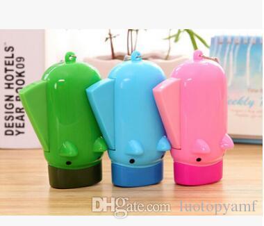 Criativo novely Piggy Mão Pressionando Lanterna Porco Pressão de Mão Auto-gerando Mini Lanterna 2 lanternas led portátil ao ar livre