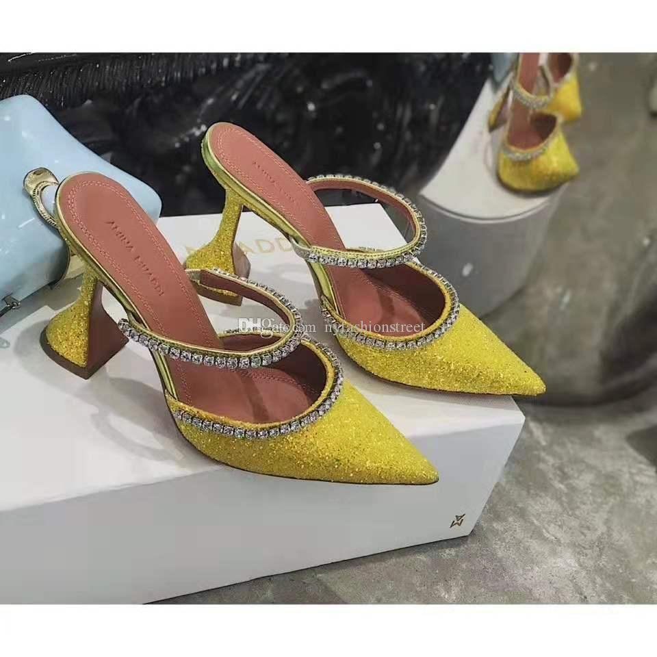 Mükemmel Resmi Kalite Amina Muaddi Kadınlar 95mm Gilda Süslenmiş Glitter Mules Amina Muaddi Kristal Yüksek topuk seksi ayakkabı Sandalet
