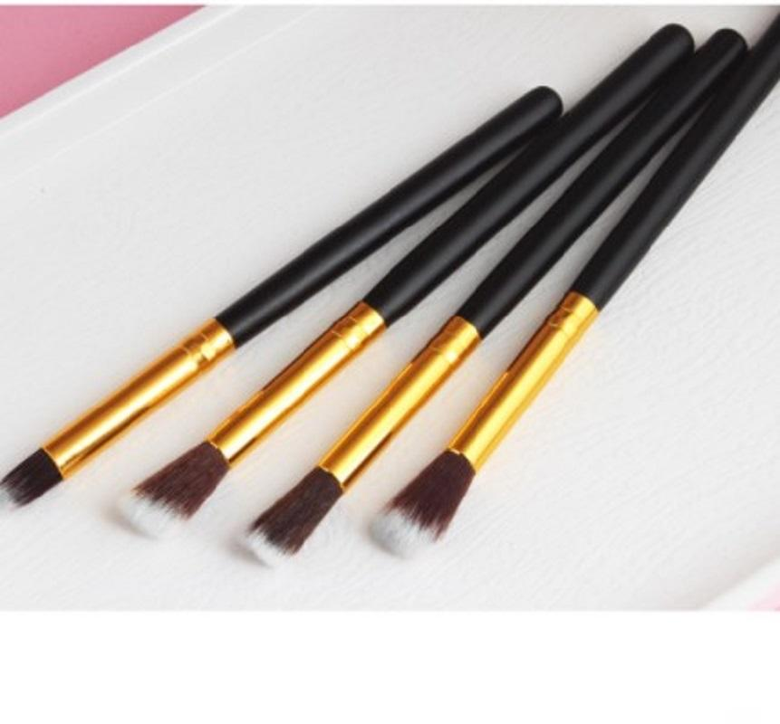 New 4pcs / set Verfassungs-Bürsten set Berufs Powder Foundation Lidschatten Make Up Pinsel Kosmetik weiche synthetische Haar