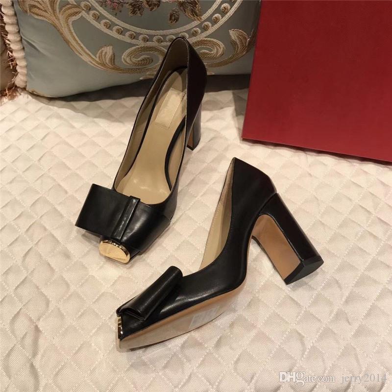 2020 marque la mode chaussures luxe femmes concepteur femmes de talons hauts design de luxe de marque de mode chaussures femmes célèbres talons hauts appartements