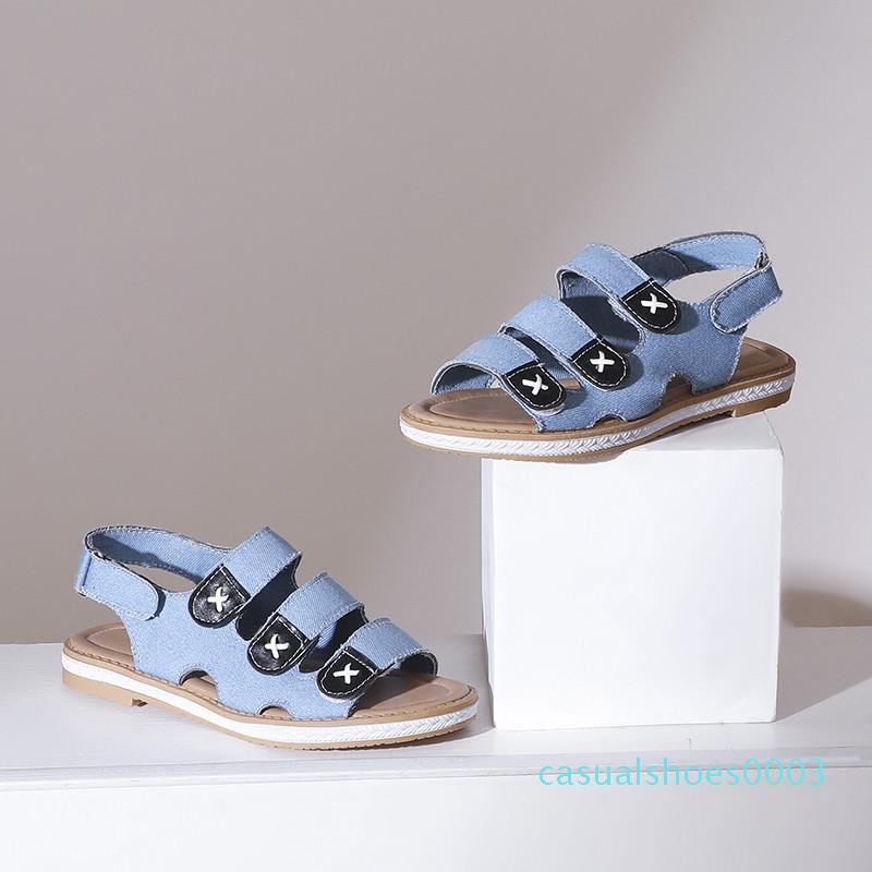 YQBTDL Verão 2020 Denim pano plana Sandals Azul Escuro Luz Gancho de banda estreita Gladiator Sandal Mulheres Lazer diário Senhoras sapatos c03