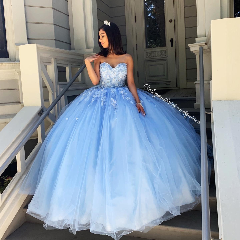 Cielo azul atractivo simple cordón de Quinceañera vestidos de baile rebordeado amor flores hechas a mano del partido de tarde de tul vestido dulce 16 ZJ306
