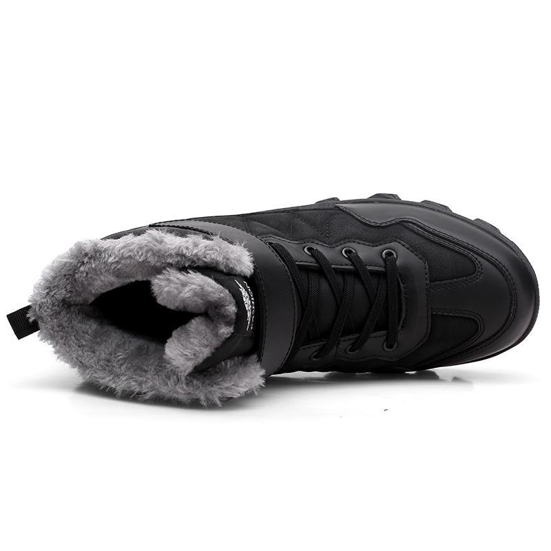 Homens Botas Masculino quente e confortável Velvet Fur Shoes impermeável ao ar livre antiderrapante Inverno Botas High Top Sneakers Homens botas de combate