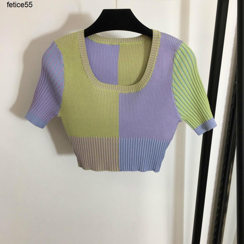 Printemps et été 2020 nouveau manches courtes bande verticale correspondant à la couleur U-cou féminin Top en tricot T-shirts 040508