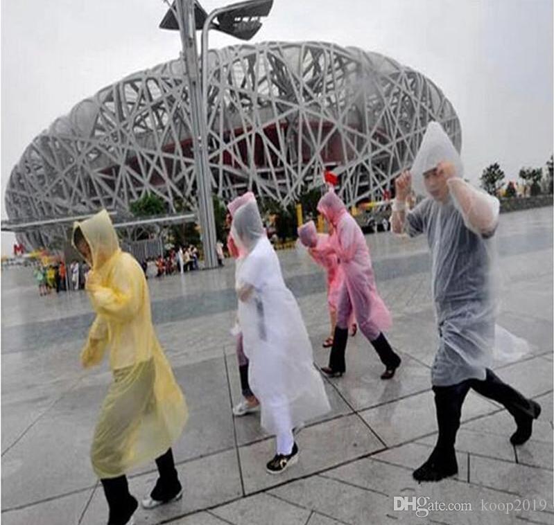 Tek Kullanımlık PE Raincoat Yetişkin Bir seferlik Acil Su geçirmez Hood Panço Seyahat Kamp Coat Açık Rainwear Rain Must