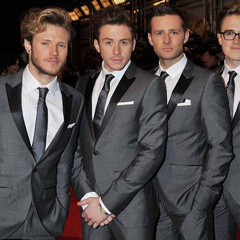 Серая Свадебная Groomsmen смокинги для Жениха Wear 2020 островерхого отворот двухкусочного One Button Бизнес Party Мужских костюмов (куртка + брюки)