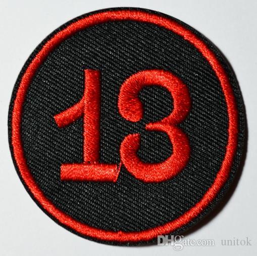 (Größe: ca. 3 Zoll) ~ Lucky 13 dreizehn Red Circle Biker Retro Emo Punk Rockabilly Applique Eisen auf Patch