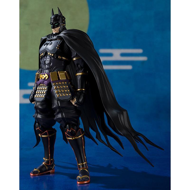 액션 애니메이션 배트맨 무료 배송 인형 일본 설정 소장 모델 완구 생일 선물 피규어 애니메이션 그림 아이에게 성인 선물 16CM