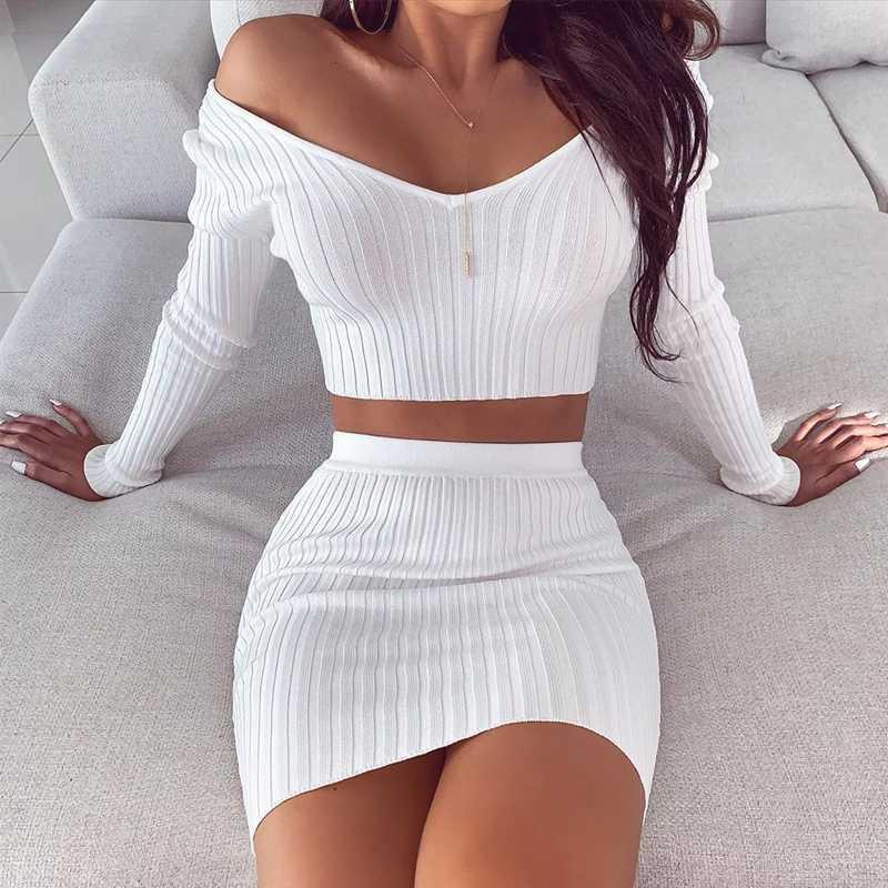 Townlike 2020 che lavora a maglia a strisce sexy due pezzi Set White Top e Mini Gonne estate insieme delle 2 parti donne maglione Outfits