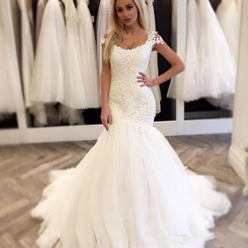 Personnalisés Cap manches en dentelle sirène robes de mariée 2020 avec appliques à encolure dégagée Tulle balayage train de mariage Robes de mariée
