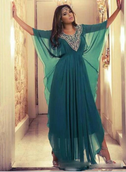 Mousseline De Soie Vintage Vert Une Ligne Robes De Soirée Arabe Avec Manches Longues Etage Longueur Perlé Col Long Bal Robes Custom Made