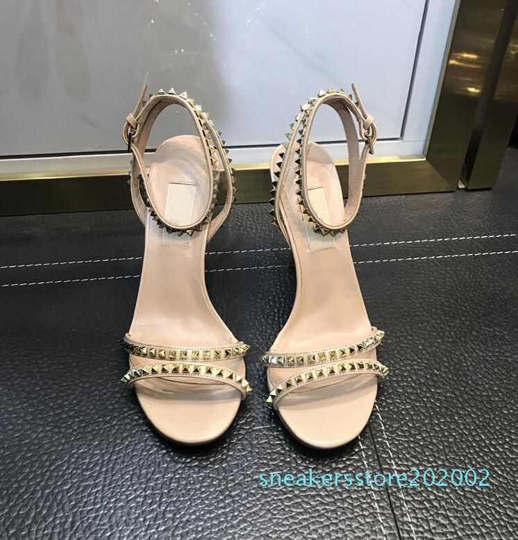 Hot Sale-tacco alto sandali della piattaforma del progettista di estate delle donne Tacchi Runway Peep Toe modelle Fottwear Designer scarpe di lusso a catena Scarpe S02