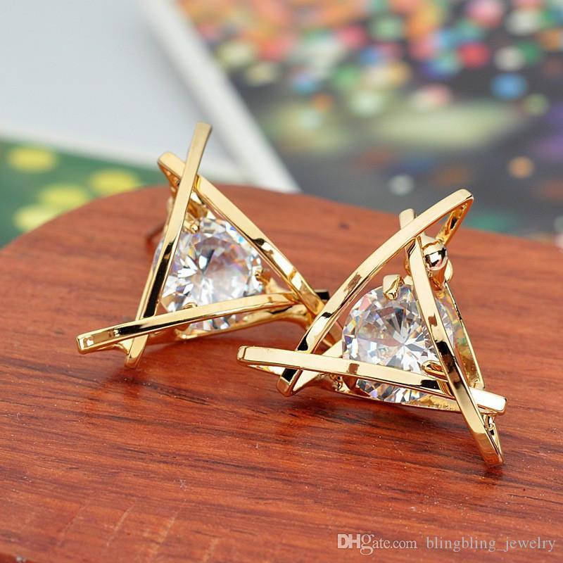 New Square Zircon-Ohr-Nägel hohle kupferne Ohrringe Geometric Triangle Ohrringe Geschenke für Damen in 2019
