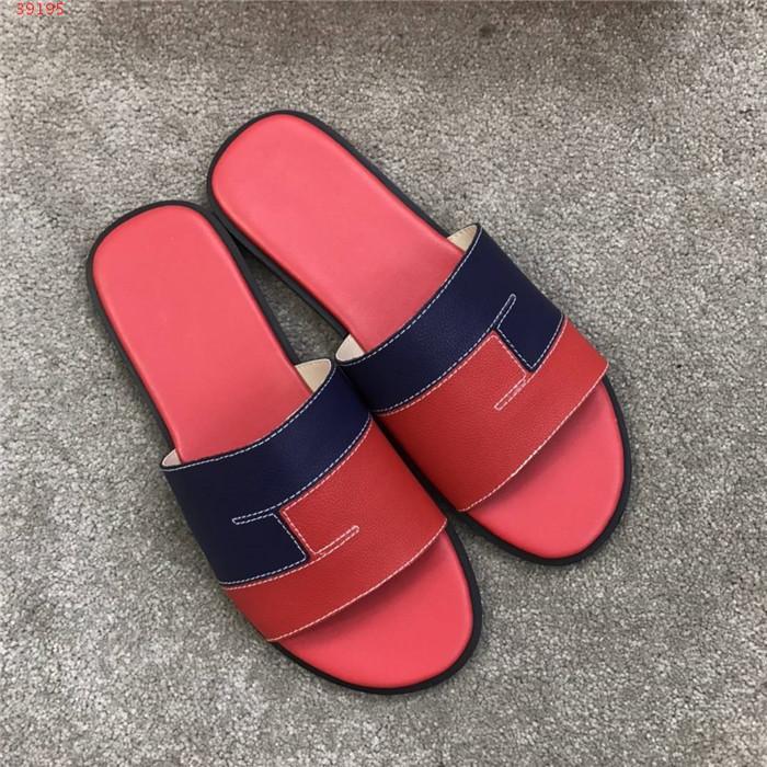 sandales homme pantoufle, les nouvelles chaussures plates de couleur 2020 correspondant au printemps / été chaussures hommes occasionnels pantoufles classiques