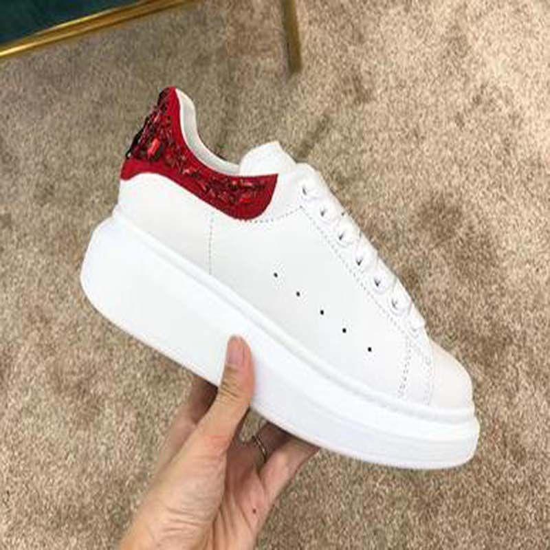 En kaliteli toptan 2020 Yeni Erkek Bayan Moda Beyaz Deri Günlük Ayakkabılar Platform Ayakkabılar Düz Lady Siyah Kırmızı Pembe Sneakers GC7