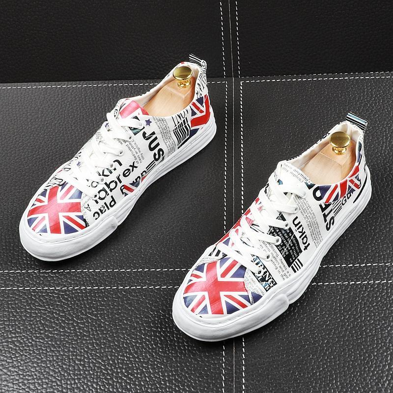 Uomini popolari scarpe casual da tavolo bandiera Primavera Autunno British Style Lace Up traspirante scarpe da tennis maschile per il tempo libero Scarpe Mocassini