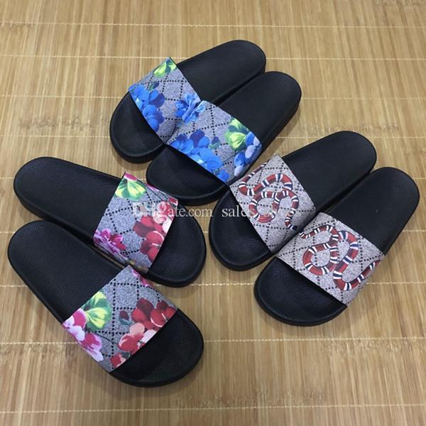 Los hombres calientes de las mujeres deslizan las sandalias del diseñador de los zapatos de lujo de la diapositiva de moda de verano ancha plana resbaladiza con sandalias gruesas zapatillas chanclas tamaño 36-45