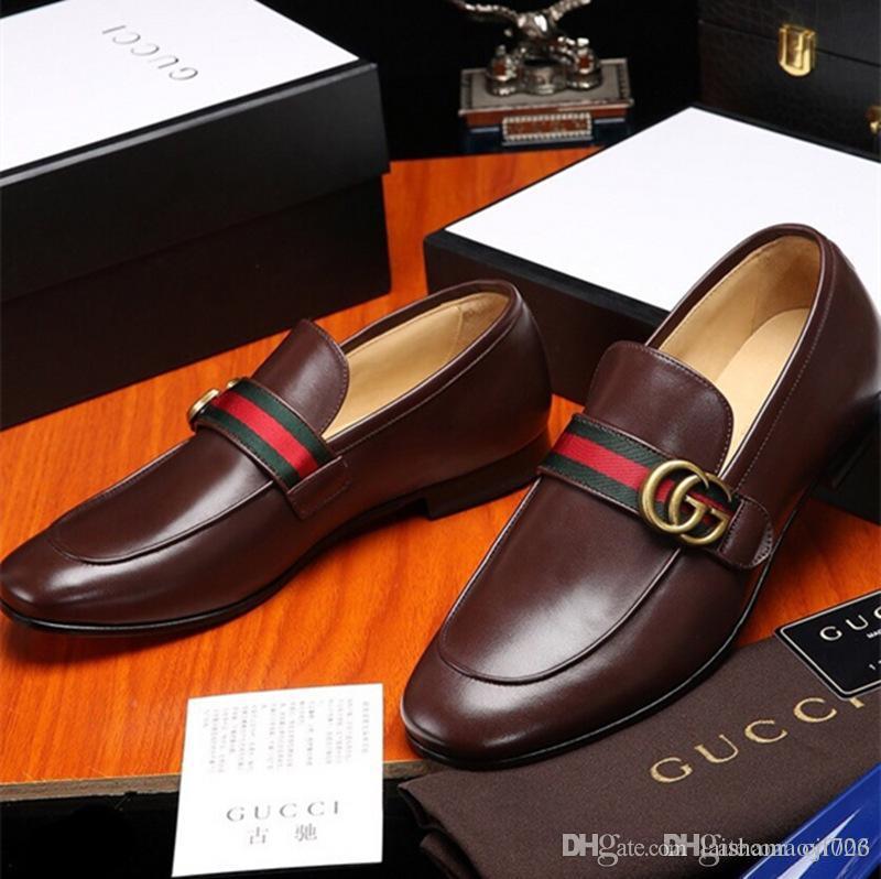 Hot Sell Luxurious Men Dress Shoes Marque stricte sélectionnée Cuir et semelle en peau de porc en cuir vieilli ciré Eu 38-44 la plupart des tailles