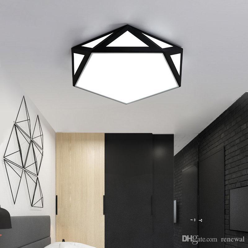 Geben Sie Schiff Moderne Schwarz / Weiß LED Decken Kronleuchter für Wohnzimmer Schlafzimmer Flur Eisen Polygon führte Kronleuchter Beleuchtung Lampadas
