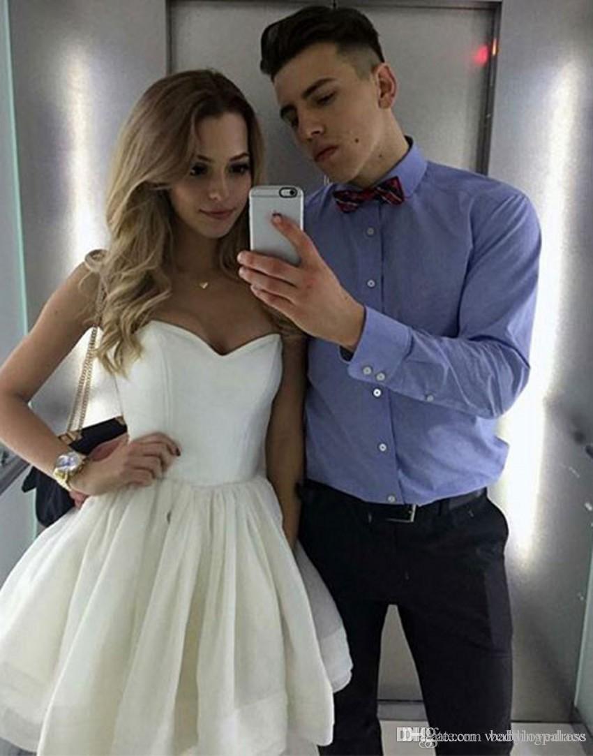 사랑스러운 연인 목 미니 짧은 짧은 흰색 칵테일 드레스 홈 메이커 파티 드레스 특별 행사 최근 2019 클럽웨어 드레스