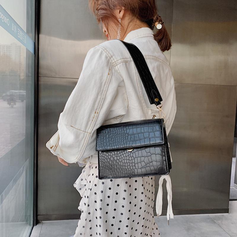 Designer Mode Crocodile Frauen Shouder Beutel Breite Trageriemen Handtaschen Luxus-PU-Leder-Umhängetasche Tasche Weibliche kleine Klappe Lady Portemonnaie