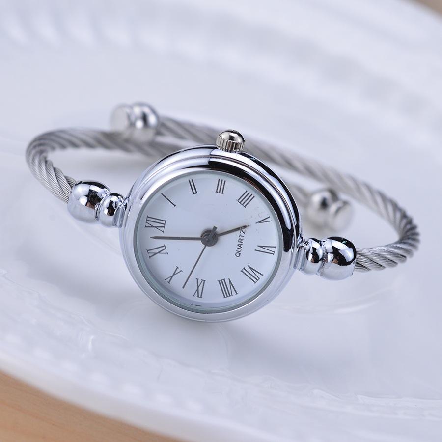 Mujeres sólido de color plata de lujo del cuarzo Relojes parte elegante vestido Mujer reloj de la pulsera simple de señora reloj de Estudiantes Relojes Para Mujer