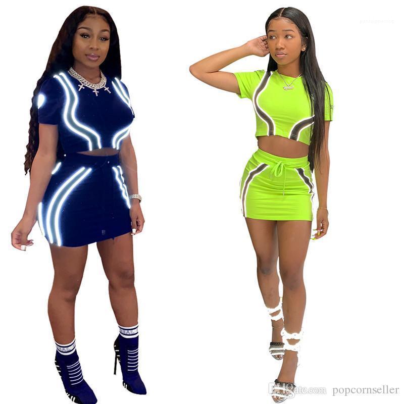 Américaine Femmes d'été fluorescent à manches courtes Casual sport Femmes Loisirs Vêtements décontractés Femmes Mode 2pcs Survêtements européenne et