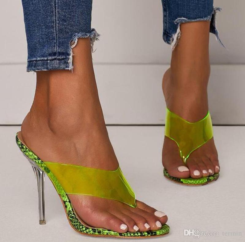 Yeni 2019 şık PVC şeffaf flip flop kadınlar için yaz ayakkabı kapalı toe giymek açık ağızlı yüksek topuklu işaret etti. LX-120