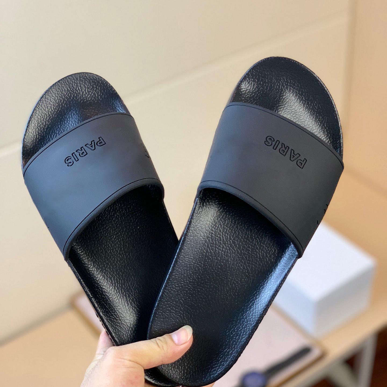Novo Color Paris Sliders Mens Mulheres Verão Sandálias Praia Slipper Slippers Senhoras Flip Flops Loafers Céu Azul Chaussures