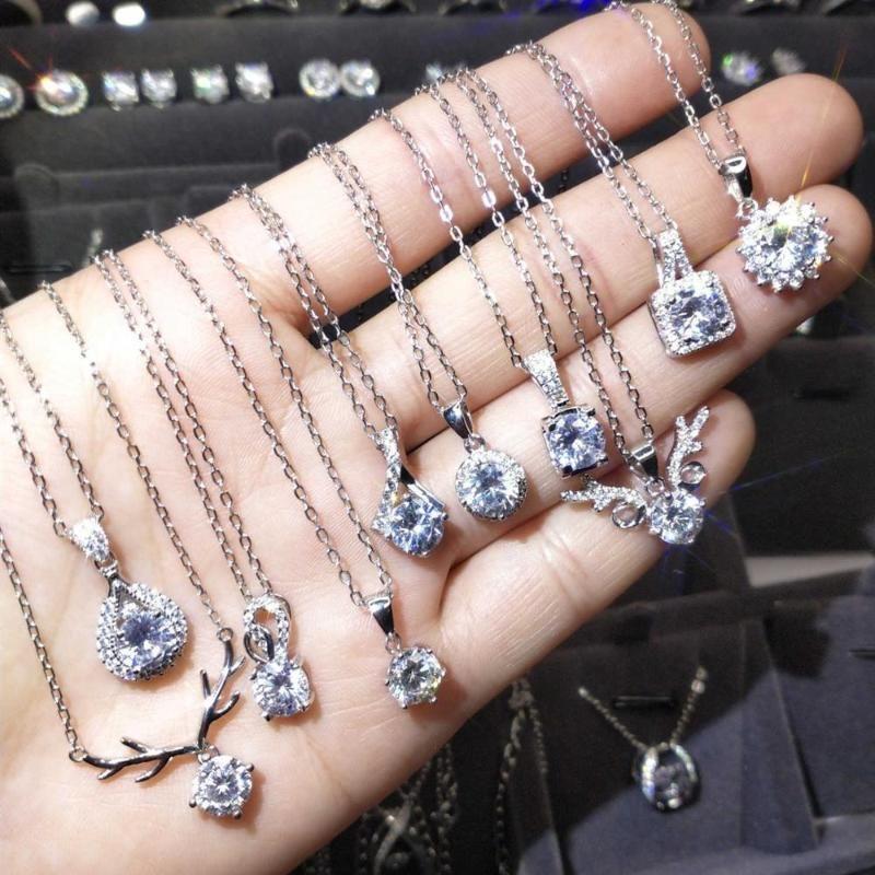 925 bodas de plata Collares platinados AU750 corte brillante diamante 1 D ciervos collar cuadrado colgante Moissanite