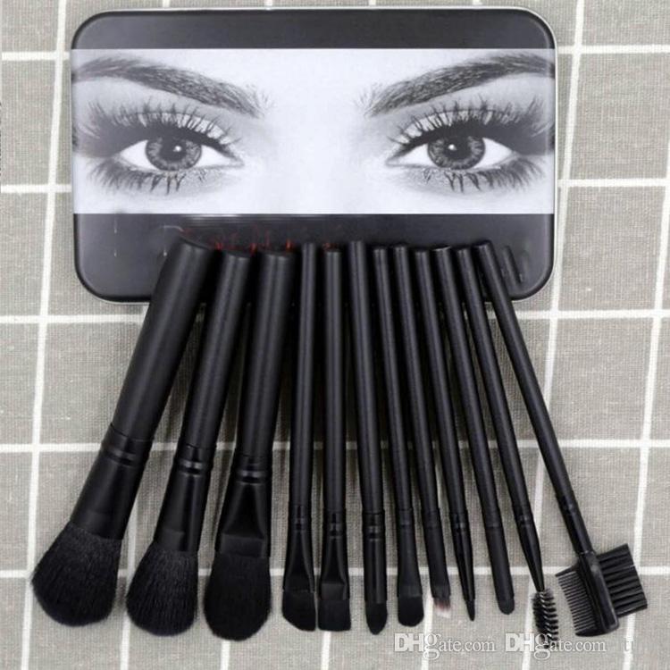2019 Hot vente fond de teint pinceau de maquillage Ma / Kylie poudre blush pinceaux de maquillage eyeliner faire de haute technologie en place des outils 12pcs / set cadeau de Noël