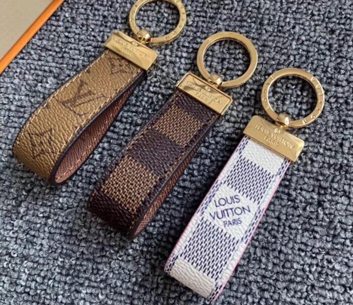 3 cores nova forma famoso chaveiro PU Couro Car Chaveiro Mulheres encanto do saco acessórios pingente com caixa