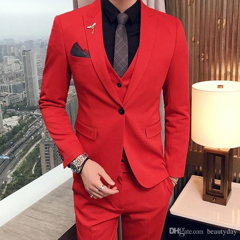 بدلات الزفاف الأحمر مساء حزب الرجال الدعاوى 2019 الأزياء ذروته التلبيب تريم صالح مخصص ثلاثة قطعة مجموعة (سترة + سروال + سترة)