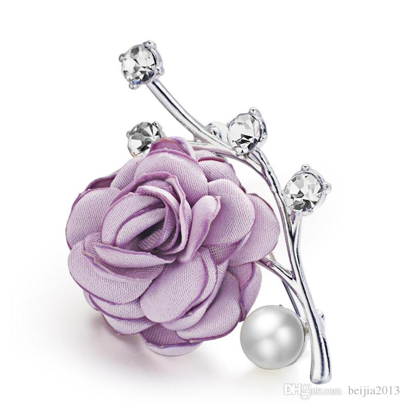 Agradável Rosa Flor Broches de Cristal Simulado Pérola para Ternos de Lapela Cachecol Noble Tecido Broche de Pino Para As Mulheres de Casamento Z078