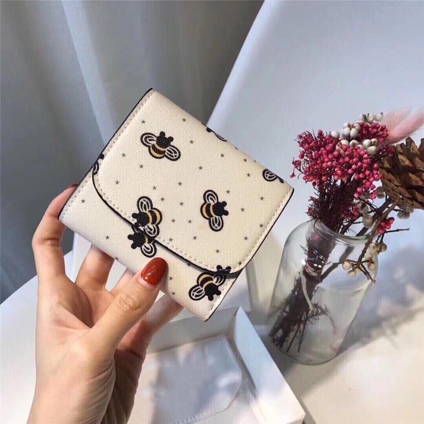Дизайнер кошелек Bee Stars Короткие бумажники Хорошее качество Мода Свежий CFY2002224