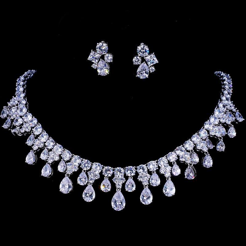 Emmaya Circones de alta calidad de color oro blanco Cubic Zirconia Collar y aretes de boda nupcial Conjuntos de regalo de fiesta