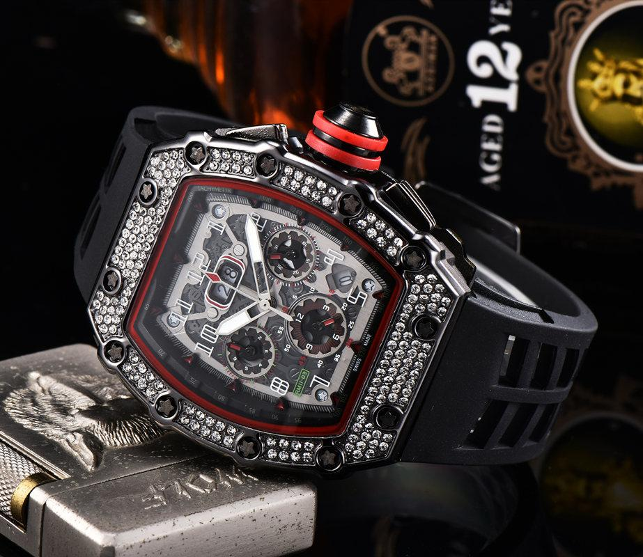 2020 Mens Fashion Sport Watch Orologio Shinning Orologi in acciaio inox Diamante Gelato Gelato tutto Dial Work Chronograph Gomma cinturino maschio orologio