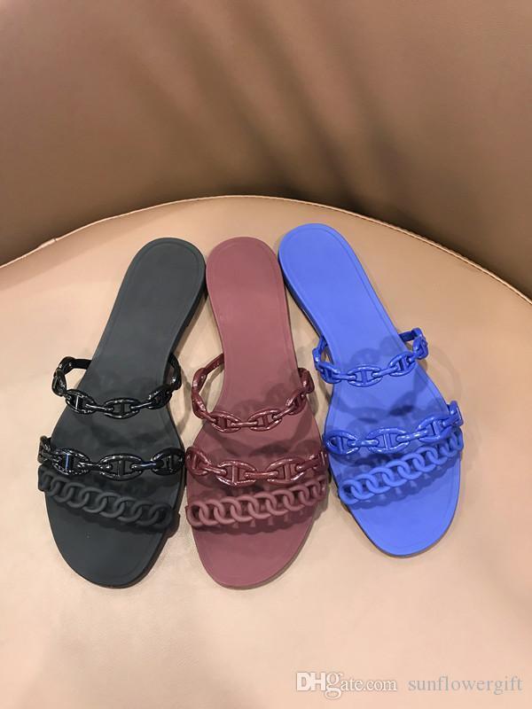 Street Fashion Einfache drei Ketten Hohle-heraus Frauen Slipper heißen Verkaufs-Gelee Schuhe Frauen Mules Slip-on-Wohnung Strand-Schuhe Gemütliche Sommer-Sandalen