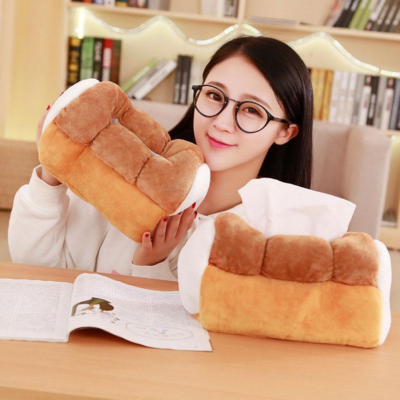 Cartoon Toy Porte-serviette Creative Kawaii Simulé Toast pain tissu en forme de boîte de rangement voiture Accoudoirs Accueil papier Serviette de cas