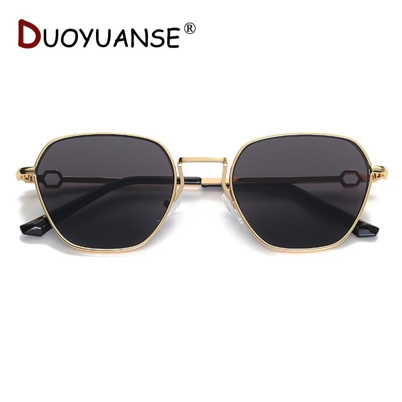 vendita all'ingrosso occhiali da sole polarizzati donna metallo quadro moda occhiali da sole 2019 nuovi occhiali di alta qualità per 8926 all'ingrosso