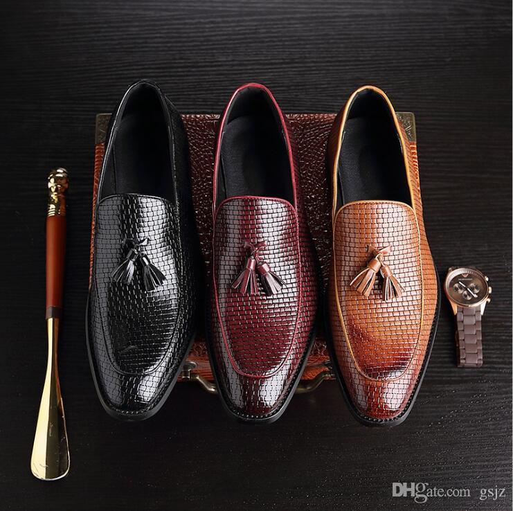 Moda retrò nappa mocassini in pelle da uomo d'affari vestito scarpe a punta piatta da uomo formale festa nuziale scarpe Z151