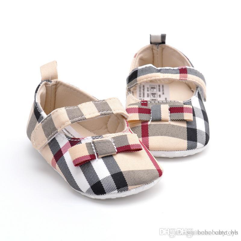 Nouveau-né Mode Plaid Bébé Filles Enfants First Walkers Enfant Toddler Classic Sports Sports Soft Sole Sole Semelle Sneakers Prewalker B88