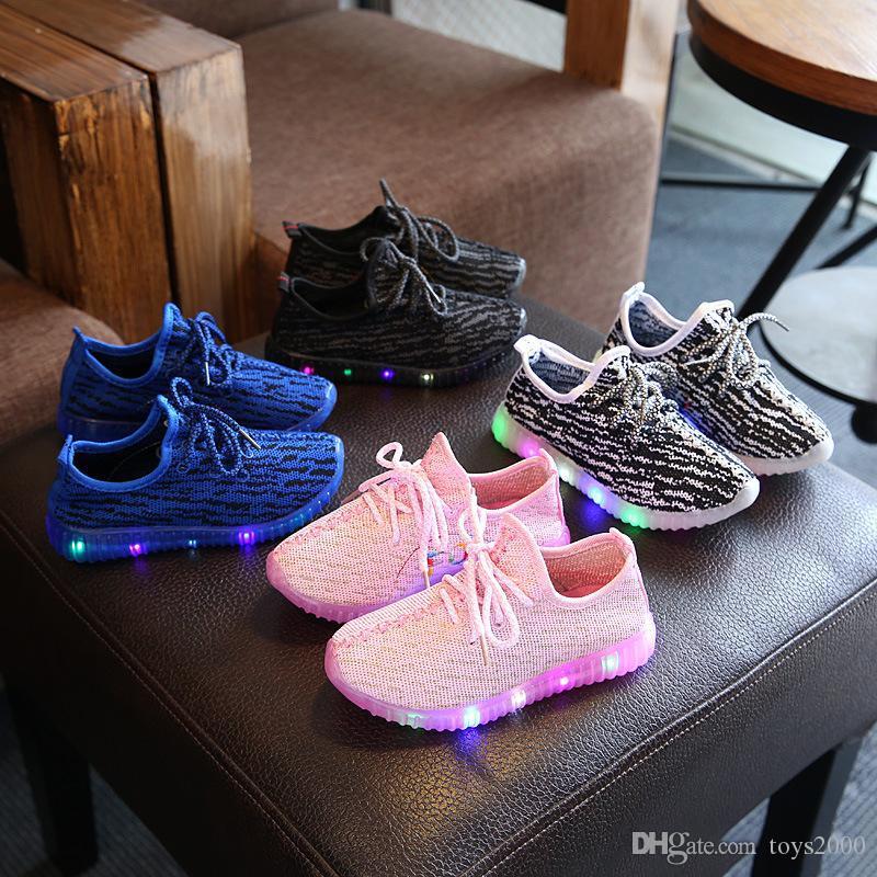 Primavera Children Autumn Light Sport Shoes Bebés Meninos Meninas Liderados Shoes luminosos crianças Sneakers respirável executando Shoes100